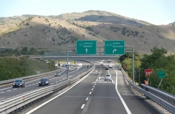 Abruzzo, il governo stanzia i fondi per la manutenzione dell'autostrada A247A25