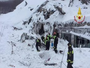 A still image taken from a video shows firefighters working at Hotel Rigopiano in Farindola, central Italy, after it was hit by an avalanche, January 20, 2017 provided by Italy's Fire Fighters.Vigili del Fuoco/Handout via REUTERS ATTENTION EDITORS - THIS IMAGE WAS PROVIDED BY A THIRD PARTY. EDITORIAL USE ONLY.