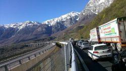 Pedaggi autostradali, gli autotrasportatori minacciano di abbandonale l'autostrada!