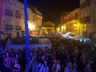 La notte bianca di Pratola Peligna col pensiero a Genova